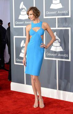 Grammy 2013: no prêmio de música, atenções se dividem entre a fenda de J.Lo e a gravata retrô de Justin Timberlake | Chic - Gloria Kalil: Moda, Beleza, Cultura e Comportamento