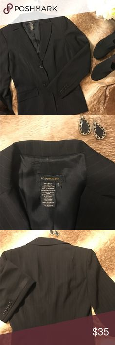 BCBG Blazer Size 2 Such a beautiful work jacket! Worn twice for work, very well taken care of. Allows for great movement during the day. BCBGMaxAzria Jackets & Coats Blazers