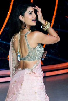 Jacqueline Fernandez on 'Jhalak Dikhhla Jaa 9'. #Bollywood #Fashion #Style #Beauty #Hot #Sexy #Saree