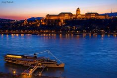 BUDAPEST http://www.facebook.com/photo.php?fbid=10151322683031968=a.306451841967.155057.289271301967=1