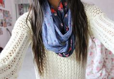 White sweater and patterned scarf Only Fashion, Teen Fashion, Fashion Beauty, Fashion Outfits, Sweater Weather, Tumblr Fashion, Passion For Fashion, Autumn Winter Fashion, Dress To Impress