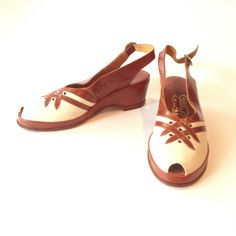 fadf851e10a72 Vintage 1940s Deadstock Ladies Wedge Shoes - S by VioletsEmporium on Etsy  1920s Shoes