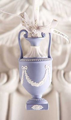 Wedgwood 2014 Iconic Urn Ornament