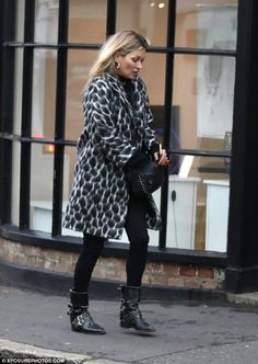 A blog about all things Kate Moss.