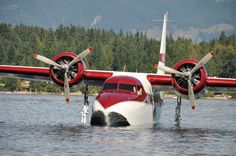 Grumman Mallard - If I ever win the lottery! Sea Plane, Float Plane, Amphibious Aircraft, Bush Plane, Old Planes, Pilot, Flying Boat, Aircraft Photos, Armada