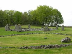 Stone Circle S in Scotland | The Two Circles at Loanhead of Daviot from the South