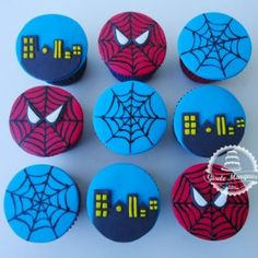 Best cupcakes ideas for boys super heros ideas Spiderman Theme, Superhero Theme Party, Party Themes For Boys, Superhero Cake, Novelty Birthday Cakes, Batman Cakes, Cute Cupcakes, First Birthday Parties, 7th Birthday