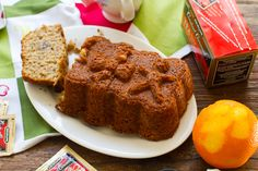 """""""Constant Comment"""" Tea-Infused Citrus Spice Banana Bread vegan, makes one loaf dry: 1 1/2 cups flour 1 cup sugar 1 Tbsp baking powder 1/4 cup rolled oats (optional) 1 tsp salt dry: 1 1/2 cups flour 1 cup sugar 1 Tbsp baking powder 1/4 c..."""