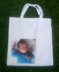 Mooie tas van Els. Foto van kleinkind op tas gestreken. Jammer dat de foto niet scherp is. In het echt is deze veel mooier!