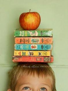 10 Great ideas back to school photo ideas for every grade! www.togally.com #backtoschool #school #kids
