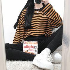that Shirt 😍 Official Korean Fashion : Korean Daily Fashion Korean Fashion Trends, Korean Street Fashion, Asian Fashion, Look Fashion, 90s Fashion, Daily Fashion, Fashion Outfits, Fashion Design, Fashion Ideas