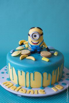 Fondant: Drip Cake Minion Birthday Cakes Girls Kids, Baby Birthday Cakes, Minion Birthday, Geek Birthday, Happy Birthday, Cake Designs For Boy, Cake Decorating Designs, Minion Torte, Cake Minion