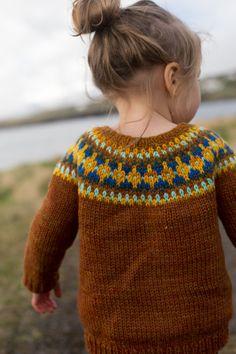 Crochet Jumper, Baby Sweater Knitting Pattern, Knit Vest Pattern, Fair Isle Knitting Patterns, Jumper Patterns, Fair Isle Pattern, Free Baby Knitting Patterns, Knit Crochet, Hand Knitted Sweaters