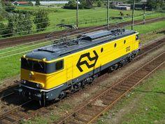 Serie NS 1300 --- Netherlands Electric Locomotive, Diesel Locomotive, Steam Toys, Old Trains, Winter House, Armored Vehicles, Netherlands, Holland, Transportation