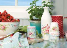 Heart Handmade UK: Shabby Chic Home Interior Decor and Gifts Old Milk Bottles, Shabby Chic Home Accessories, Magical Home, Home Interiors And Gifts, Craft Desk, Interior Decorating, Interior Design, Shabby Chic Homes, Craft Storage