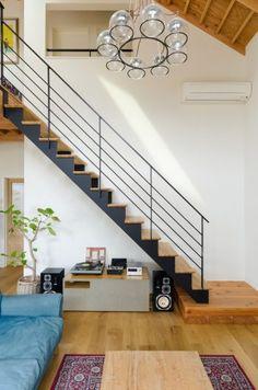 25 Amazing Interior Design Ideas For Modern Loft « Sayo Home Stairs Design, Railing Design, Interior Stairs, Home Interior Design, House Design, Building Stairs, Building A House, Stairs Handle, Modern Stairs