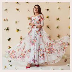 Stylish Dress Designs, Stylish Dresses, Nice Dresses, Girls Dresses, Formal Dresses, Pakistani Party Wear Dresses, Frock Fashion, Girls Without, Western Outfits