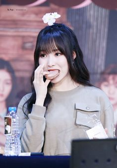 All About Gfriend - Yuju tại Fansign