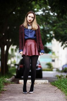 Cute skirt and top! #skirt #fashion #tights