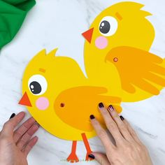 Handprint Chick Craft For Kids <br> Make this simple and cute chick handprint card craft for spring or Easter. It's a simple paper craft for preschool and kindergarten children. Animal Crafts For Kids, Spring Crafts For Kids, Easy Paper Crafts, Easter Crafts For Kids, Diy Home Crafts, Toddler Crafts, Preschool Crafts, Arts And Crafts, Classroom Crafts