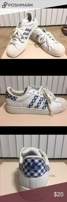 Adidas Superstar Sneakers 8 Worn twice (exactly twice). Cute but not my size (I bought it because I liked it too much). The rubber has slight taint of yellow (very very light shade, as shown because of time but other than that, It's in great condition! Adidas Shoes Sneakers