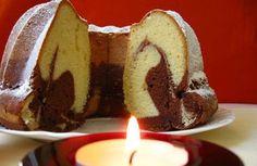 Kuhinja i ideje: Omiljeni mramorni kuglof Serbian Recipes, Serbian Food, Bunt Cakes, Kakao, Pavlova, Pound Cake, Food Hacks, Sweet Recipes, Birthday Candles