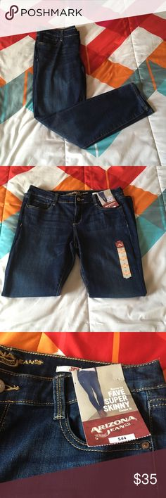 Skinny Jeans Arizona Jean Co. skinny jeans size 11. They are Fave Super Skinny. Brand new with tags! 73% cotton, 20%polyester, 2% spandex. Really nice jeans! Made in Bangladesh!!!🎉🎊👖 Arizona Jean Company Pants Skinny