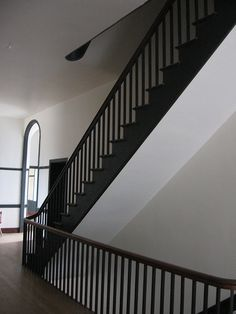 House Staircase, Entry Stairs, Loft Stairs, Steel Stair Railing, Steel Stairs, Georgian Architecture, Architecture Details, Shaker Furniture, Wooden Stairs