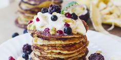 I Quit Sugar - Vanilla Pancakes with Raw Cashew Cream Sugar Free Low Carb Recipe, Low Sugar Recipes, Wheat Free Recipes, No Sugar Foods, Almond Recipes, Baking Recipes, Real Food Recipes, Paleo Recipes, Vanilla Pancakes