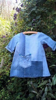 Da jeg så DR's 'Fra yt til nyt' med en kvinde i Århus, som lavede kjoler til voksne af genbrugsjeans, fik jeg ideen til at lave en enk...