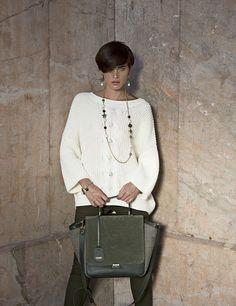 Scottish power. Avete mai visitato questo meraviglioso Paese? Se la risposta è no, respiratene l'essenza indossando la borsa Edimburg, pura espressione della #Scozia più vera.  #jadise #fallwinter20142015 #madeinitaly #borse #bags #cool #fashion #moda #colori #outfit #urban #scozia #edimburg #blogger #girl
