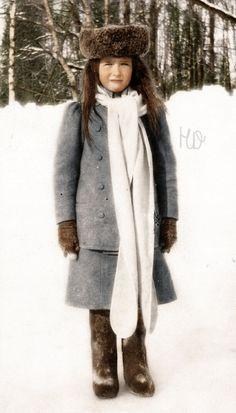 Anastasia Nicholaievna outside in the snow. Anastasia in Winter Anastasia, Romanov Family Execution, Alexandra Feodorovna, Tsar Nicholas Ii, Winter Photos, Tudor History, Imperial Russia, Russian Fashion, Jolie Photo