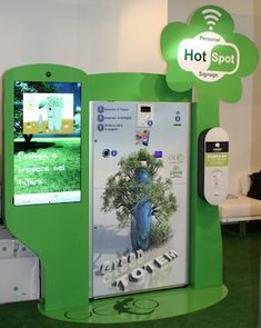 Máquina reverse vending - Eurven - Green Totem EC-3 Vendor Machine, Airport Check In, Ec 3, Self Serve, Vending Machines, Food Court, Industrial Design, Signage, Recycling