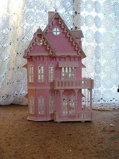 I think I had something like this as a kid & my brother wrecked it!! Maybe that's why I like pink still :)