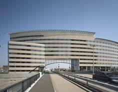 Braingate   16.000 m2 kantoorruimte   Abram van Rijckevorselweg - Capelle aan den IJssel.  Leon van Veelen heeft voor dit project (in uitvoerend dienstverband bij Progam Bouwadvies) het projectmanagement verzorgt vanaf DO tot en met de contractafronding met de aannemer. Opdrachtgever: OVG te Rotterdam.