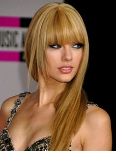 Celebrity Beauty Secrets: Taylor Swift : Hair : Beauty World News Fringe Hairstyles, Hairstyles With Bangs, Pretty Hairstyles, Straight Hairstyles, Amazing Hairstyles, Medium Hairstyles, Blonde Hairstyles, Asymmetrical Hairstyles, Pixie Hairstyles