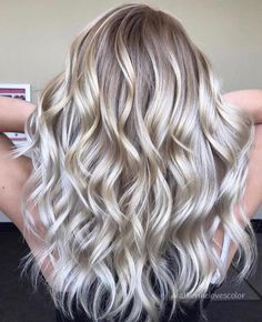 Chic light golden blonde and silver blend summer blonde hair, light blonde hair, balayage Straight Hair Highlights, White Blonde Highlights, Balayage Blond, Hair Color Balayage, Ombre Hair, Blonde Hair Colors, Lavender Highlights, Bronde Hair, Lilac Hair