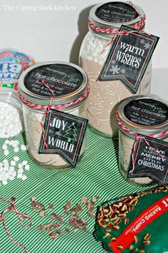 Homemade Mint Hot Chocolate and FREE Printable Chalkboard Tags and Jar Labels!  Perfect for gift giving! - www.cuttingbackkitchen.com
