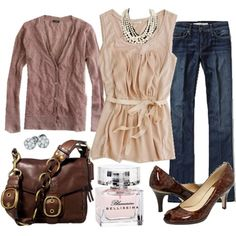 Love this outfit! Really great detail on the shirt and bag. Cozy looking cardigan.