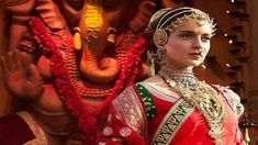 Powerhouse actress Kangana Ranaut is all set to enthral the audience with her portrayal of Rani Laxmibai of Jhansi in the epic biographical film, Manikarnika: The Queen of Jhansi. The film was surrounded by a lot of controversies off late, but now . Bollywood Updates, Bollywood News, Bollywood Actress, India Latest News, Great Warriors, Warrior Queen, Saree Trends, Film Base, All Movies