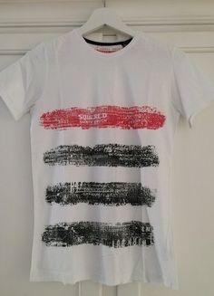 Kaufe meinen Artikel bei #Mamikreisel http://www.mamikreisel.de/kleidung-fur-jungs/kurzarmelige-t-shirts/35907290-kurzarm-shirt-von-zara-kids-in-weiss-mit-rot-schwarzem-print