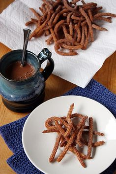 Home made Churros with Abuelita hot chocolate, the best! Just Desserts, Delicious Desserts, Dessert Recipes, Yummy Food, Tasty, Fries Recipe, Love Food, Yummy Treats, The Best