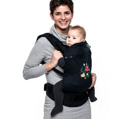 Liliputi® Soft Baby Carrier - Noir MATYÓ  Limited edition 100% handmade embroidery. Design by Matyodesign. For back, front and hip carry. Organic Cotton Fabrics, GOTS (Global Organic Textile Standard) certification, custom weaved and dyed exclusively for us. Made in the EU #liliputistlye #ssc #handmadebabycarrier #babycarrier #embroidery #handmadeembroidery