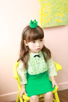 """e-annika.com Her look says it all: """"Me? A bad girl? WHAT? I'm so cute!!!"""""""
