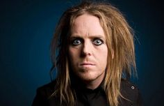 A message from Tim Minchin as abuse victims fly to see George Pell give evidence