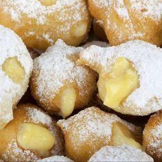 Castagnole (Italian Custard or Chocolate Donut) Italian Donuts, Italian Bakery, Italian Pastries, Italian Cookies, Italian Desserts, Just Desserts, Italian Recipes, Dessert Recipes, Italian Dishes