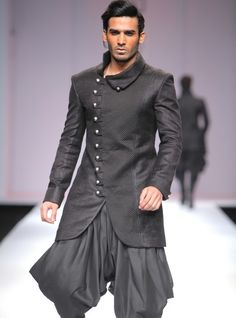 40 Top Indian Engagement Dresses for Men - Prom Dresses Design Indian Engagement Dress, Wedding Dresses Men Indian, Wedding Dress Men, Engagement Dresses, Blue Sherwani, Mens Sherwani, Mens Kurta Designs, Designer Suits For Men, Indian Designer Wear
