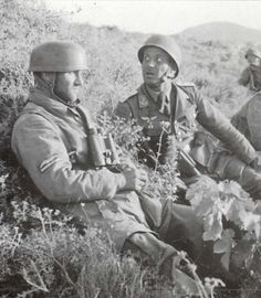Two Fallschirmjager officers taking a rest near Heraklion.