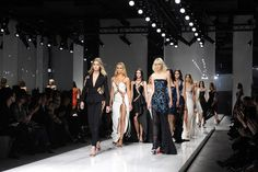 Desfile da Atelier Versace em Paris (Foto: Getty)