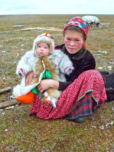 (Nenets people) The Nenets also known as Samoyeds, are an indigenous people in northern arctic Russia. The Samoyedic languages form a branch of the Uralic language family. We Are The World, Kinds Of People, People Around The World, Around The Worlds, Beautiful World, Beautiful People, The North Face, Baby Bundles, Folk Costume